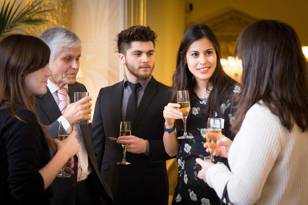 Alumni at Winter Drinks 2016